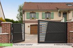 La gamme Satellite® propose un système complet d'intégration de la motorisation dans les montants. Vous pourrez ainsi garantir une esthétique parfaite tant à l'intérieur qu'à l'extérieur de la propriété.
