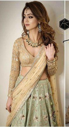 New Wedding Indian Dress Bridal Lehenga Ux Ui Designer 19 Ideas Indian Bridal Outfits, Indian Fashion Dresses, Indian Designer Outfits, Bridal Dresses, Lehenga Designs, Saree Blouse Designs, Indian Attire, Indian Wear, Sangeet Outfit