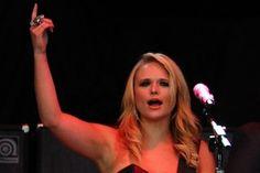 Miranda Lambert Addresses Divorce, Baby and Gay Rumors Onstage
