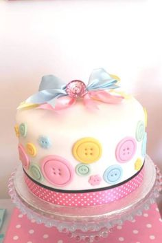 cute-as-a-button-party- cake First Birthday Party Themes, 1st Birthday Cakes, Gateau Baby Shower, Baby Shower Cakes, Pretty Cakes, Cute Cakes, Fondant Cakes, Cupcake Cakes, Button Cake