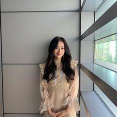 Kpop Girl Groups, Kpop Girls, Young Fashion, Girl Fashion, April Kpop, Mode Kawaii, Kim Sohyun, Cute Cartoon Girl, Uzzlang Girl