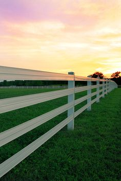 Have questions on fence installation? We have RAMM fencing experts ready to help you through your planning 📞 800-434-8455 or you can visit our fence planning FAQs webpage. #flexfence #rammfence #horsefence #horses #equestrian #farm #farmfence #sunset