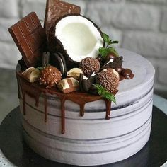 30 Cool & Beautiful Birthday Cakes : Page 24 of 30 : Creative Vision Design 30 Cool & Beautiful Birthday Cakes : Page 24 of 31 : Creative Vision Design Food Cakes, Cupcake Cakes, Bolo Drip Cake, Drip Cakes, Cake Recipes, Dessert Recipes, Beautiful Birthday Cakes, Occasion Cakes, Love Cake