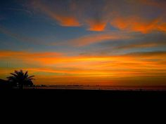 @Regrann foto de @paulinafpalacios -  Enjoy life in company 💕 #Aricaeternaprimavera #sunsets #chinchorro #landscape #skyline #beautifulcolors #nature #paisajes #paisajesdechile  #colors #nortedechile #aricayparinacota #aricasiemprearica #naturaleza  #photographylovers #photography #turismoaventura #travelporn #travelgram #instapics #instaChile #sky #skylovers #sunsetslovers #awesome