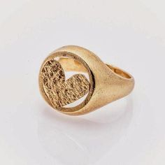 Chevalier Ring: the pinky ring