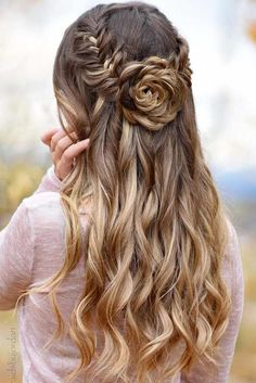 Prom Half Up Half Down Hairstyles Source hair styles, easy hairstyles, wedding hairstyles, Boho Wedding Hair, Wedding Hair Down, Trendy Wedding, Wedding Half Updo, Wedding Nails, Wedding Makeup, Bridal Makeup Looks, Rose Wedding, Wedding Bride