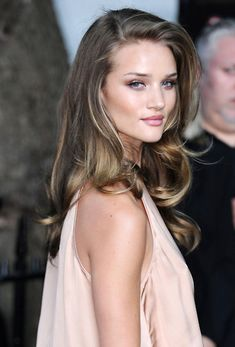 Loving her color...Making me see how I could grow out my natural color and have a few bayalage highlights in the front.