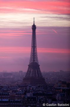 Tour Eiffel, Paris, France I'd like this as a back drop in a room in my house somewhere. The colours are devine!