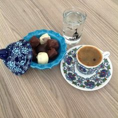 Turkish, coffee Ramadan Activities, Tea Art, Turkish Coffee, Coffee Cake, Panna Cotta, Tableware, Ethnic Recipes, Food, Dulce De Leche