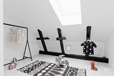 Bo LKV Wardrobe Rack, Desk, Interior Design, Photos, Furniture, Home Decor, Design Interiors, Homemade Home Decor, Desktop