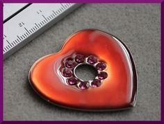 Pendentif coeur résine rouge et strass