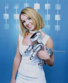 Britney Spears - Teen People photo shoot.  Photo by Jill Greenberg.