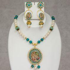 Unique Design Pearl Necklace Collection