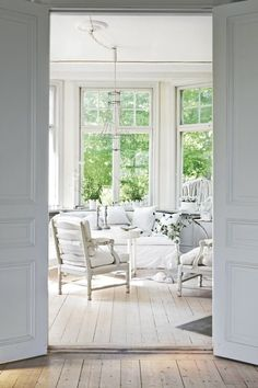 Swedish Home andGarden - lookslikewhite Blog - lookslikewhite---Want chairs like these in my living room