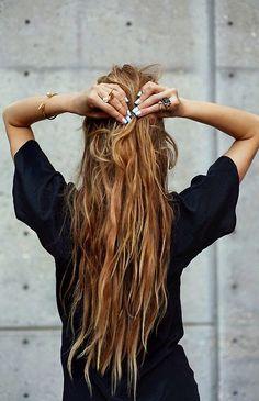 Saturday´s inspo : long messy hair   stellawantstodie