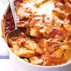 Baked Ravioli- quick, cheap and super easy! Bag frozen ravioli, jar of sauce, ground beef and shredded mozzarella. Bake in one dish!
