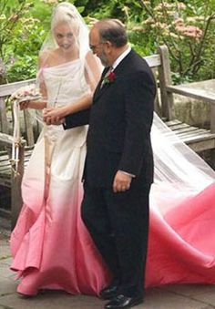 Gwen Stefani wedding dress, the perfect dress!