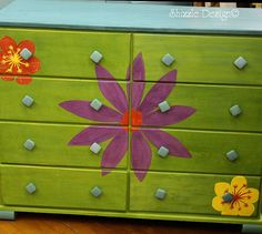 a little bit o' Shizzle: Whimsical Little Girl's Dresser with Hand Painted Flowers