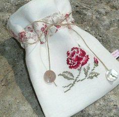 Güllü kese. Cross Stitch Bird, Beaded Cross Stitch, Crochet Cross, Cross Stitch Flowers, Cross Stitching, Cross Stitch Embroidery, Hand Embroidery, Cross Stitch Patterns, Types Of Embroidery