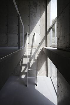 Skeleton House, Yokosuka, Kanagawa, Japan 2012 - BE-FUN DESIGN / STAIRS / CONCRETE