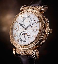 Patek Philippe'nin 175. Yıl özel saati. Tasarımı 7 yıl sürmüş. El oyması altın saatin arkalı önlü 2 yüzü de kullanılabiliyor. Patek'in en pahalı saatinin fiyatı 2,6 milyon dolar.