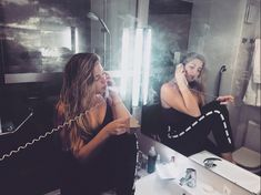 #smoke #love #chicago #malaga #phone #vintage #byn #come #back #hotel #blonder #bronw #black #nails
