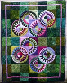 New York Beauty quilt by Doris Paetzmann.  Free paper piecing patterns by Ula Lenz   lenzula