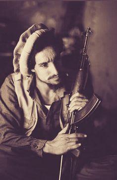 Ahmad Schah Massoud, Lion of Panjshir. * 1. September 1953 in Pandschschir; † 9. September 2001 in Tachar /Pin by Paolo Marzioli