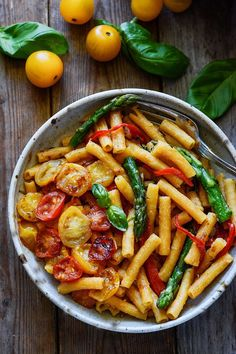 20-Minute Pasta with Asparagus, Bell Pepper, and Tomatoes