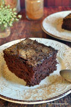 Κέικ σοκολάτα- κανέλα - The Veggie Sisters Desserts, Food, Tailgate Desserts, Deserts, Essen, Postres, Meals, Dessert, Yemek