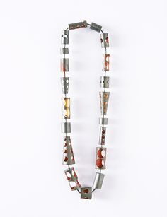 Helen Britton Necklace: Untitled, 2015 Silver, paint Photo by: Dirk Eisel © By the author. Read Klimt02.net Copyright.