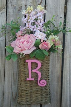 Pale pink door basket with roses and hyacinth by ThePetalMarket