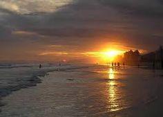 Resultado de imagem para praia ocian em santos