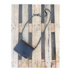 Black crossbody leather bag❤