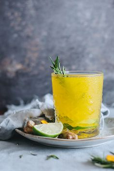 Cozy Turmeric Ginger Lemonade for digestive relief #detox #anti-inflammatory   TheAwesomeGreen