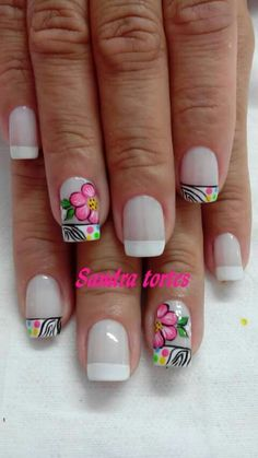 Viviana Creative Nail Designs, Creative Nails, Simple Designs, Nail Art Designs, Best Salon, Prom Nails, Toe Nail Art, Cute Nails, Pedicure