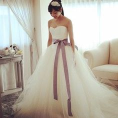 ふわっと可愛すぎる!ヴェラ・ウォンの人気NO.1ドレス『バレリーナ』が魅力的な理由♡にて紹介している画像