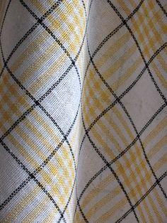 Cotton Dish Towels Yellow White Tea Towels set of by Coloredworld White Tea Towels, Yellow Towels, Linen Towels, Dish Towels, X 23, Loom Weaving, Hand Weaving, Weaving Projects, Coton Biologique