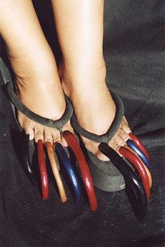 02bf1ccc2ee12f Disgusting  longest toe nails just say no to the toe.what size shoe does  she wear now outside of the obvious flip flop  lina gaspard · Ugly feet