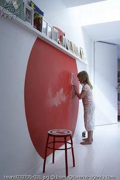 chalkboard circle for kids room