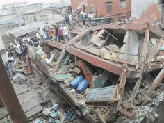 WELCOME TO BLOGSNIGERIA : 3 STOREY BUILDING COLLAPSE IN LAGOS KILLING 4 CHIL...