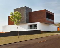 Imposing modern home with volumes in Brazil designed by Studio Guilherme Torres