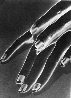 Man Ray American Surrealist Photographer- Study of - negative solarization Willy Ronis, Harlem Renaissance, Man Ray Photographie, Francis Picabia, Lee Miller, Gelatin Silver Print, Louise Bourgeois, Grafik Design, American Artists