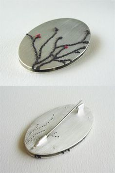 Mathilde Quinchez : broche, argent, soie, lin I love the back. Enamel Jewelry, Metal Jewelry, Jewelry Findings, Jewelry Art, Silver Jewelry, 925 Silver, Silver Ring, Bijoux Design, Jewelry Design