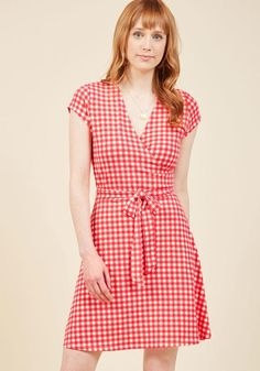 ModCloth - ModCloth The Ace of Ease Wrap Dress in Bright Gingham in XS - AdoreWe.com