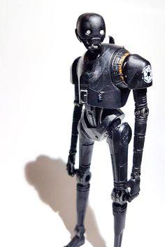 ToyzMag.com » Star Wars Rogue One : la figurine K-2SO en images