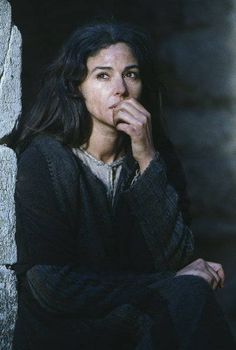 Monica Bellucci (Mary Magdalena) - The Passion of the Christ Movie