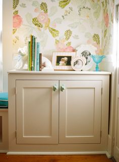House of Turquoise: Sarah Crawford Watercolor Peony Wallpaper - Anthropologie. So pretty. Pb Teen Girls, Home Interior, Interior Decorating, Decorating Ideas, Turquoise Bedding, Loft Studio, House Of Turquoise, How To Have Twins, Kid Spaces