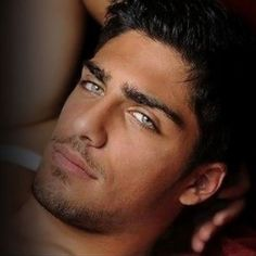 Beautiful colorful pictures and Gifs: Hot sexy men photos- Imagenes de Hombres guapos Ooo wow! Male Eyes, Male Face, Stunning Eyes, Amazing Eyes, Raining Men, Moustaches, Attractive Men, Good Looking Men, Male Beauty