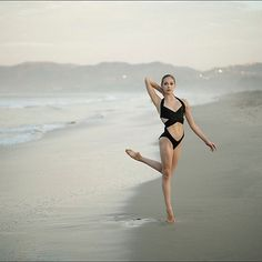 #Ballerina - @julietdoherty at #SantaMonicaBeach #LosAngeles #Swimsuit by @normakamali #NormaKamali #ballerinaproject_ #ballerinaproject #dance #beach #ballet by ballerinaproject_